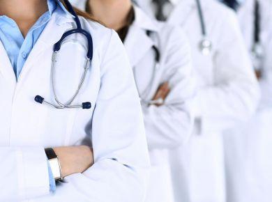 Quais são as regras do Conselho Federal de Medicina sobre publicidade médica?